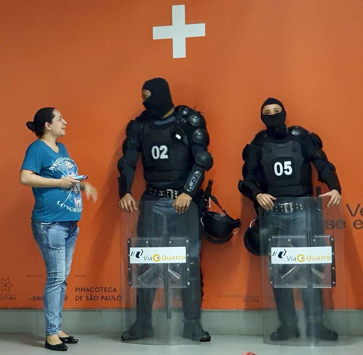 Seguranças passaram a usar touca ninja em estações da linha 4-Amarela