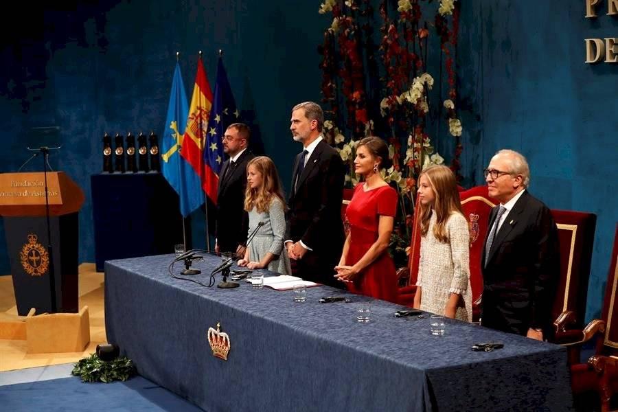 """En su intervención, el rey dijo a su hija y heredera: """"Estamos muy orgullosos de ti y de ser testigos de este día"""". EFE"""