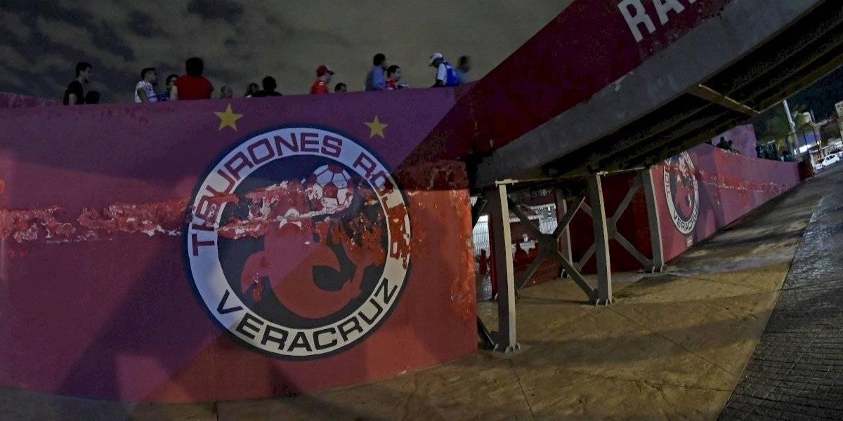 Veracruz no se mueve 5 minutos en forma de protesta; Tigres anota 2 goles