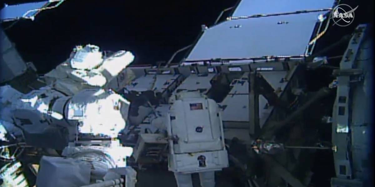 NASA transmite ao vivo primeira caminhada espacial feita totalmente por mulheres