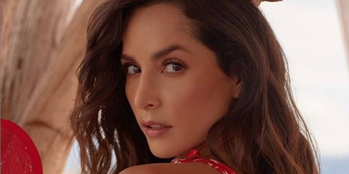 Carmen Villalobos apareció en sensual bikini antes de casarse