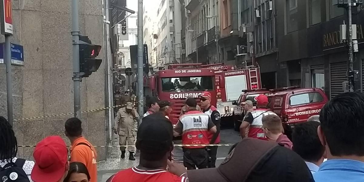 Bombeiros morrem durante combate a incêndio em boate no Rio