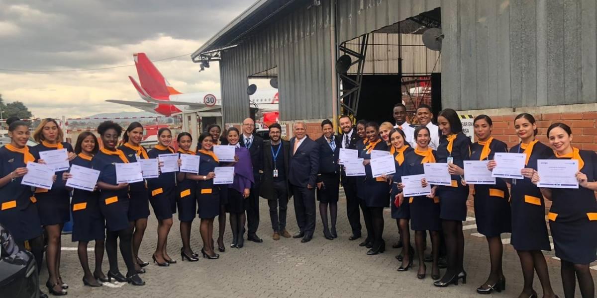 Jóvenes dominicanos se capacitan en Colombia de aeronáutica