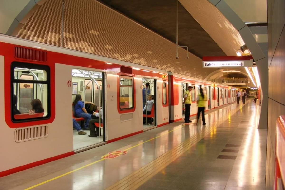 ¿Cuánto ha subido el precio del Metro de Santiago desde 2007 a la actualidad?