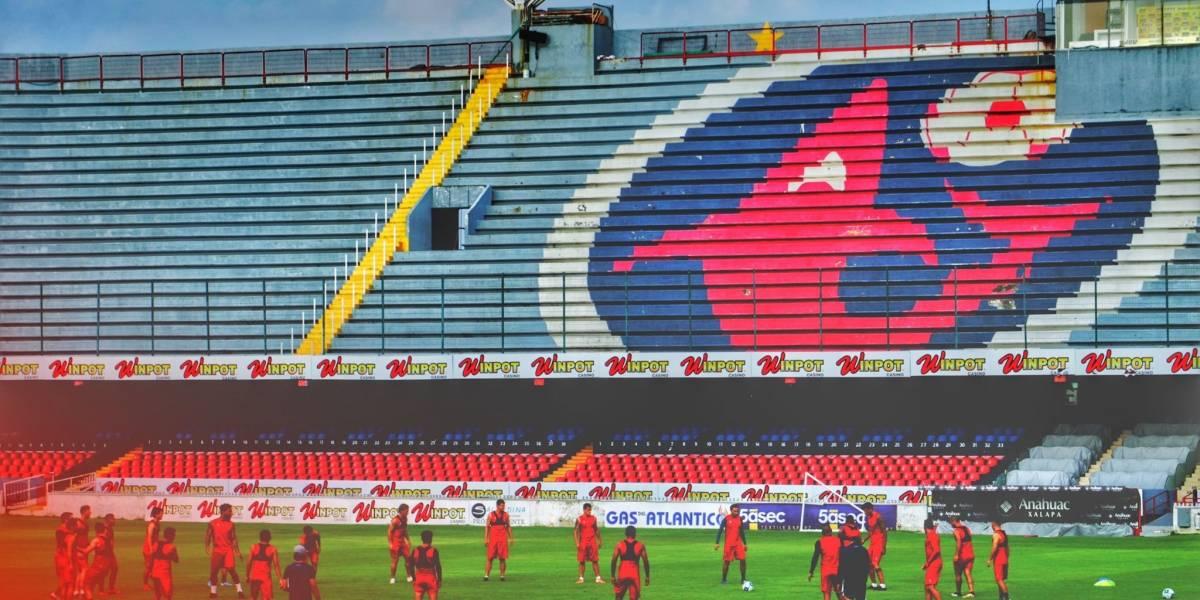 VIDEO. Las miradas puestas en estadio Luis Pirata Fuente por huelga de futbolistas