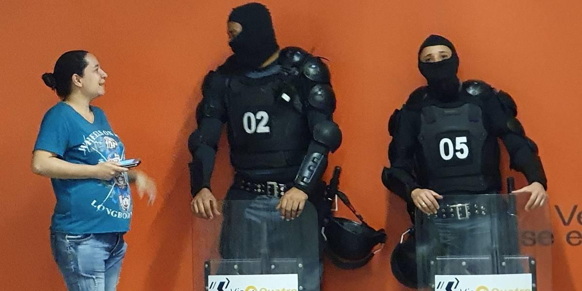 Linha 4-Amarela volta atrás após apresentar seguranças trajados com touca ninja e escudo