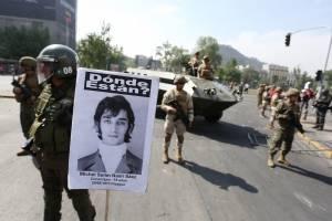 Suspenden circulación de buses en Chile ante violentas protestas