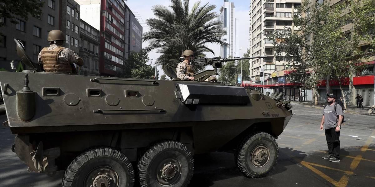 Ejército usa tanquetas en segundo día de protestas en Chile