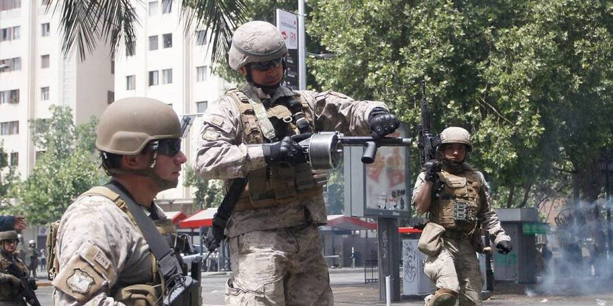 ¿Hace cuánto que no veíamos esta imagen? Tanquetas del Ejército ocupan la Plaza Italia