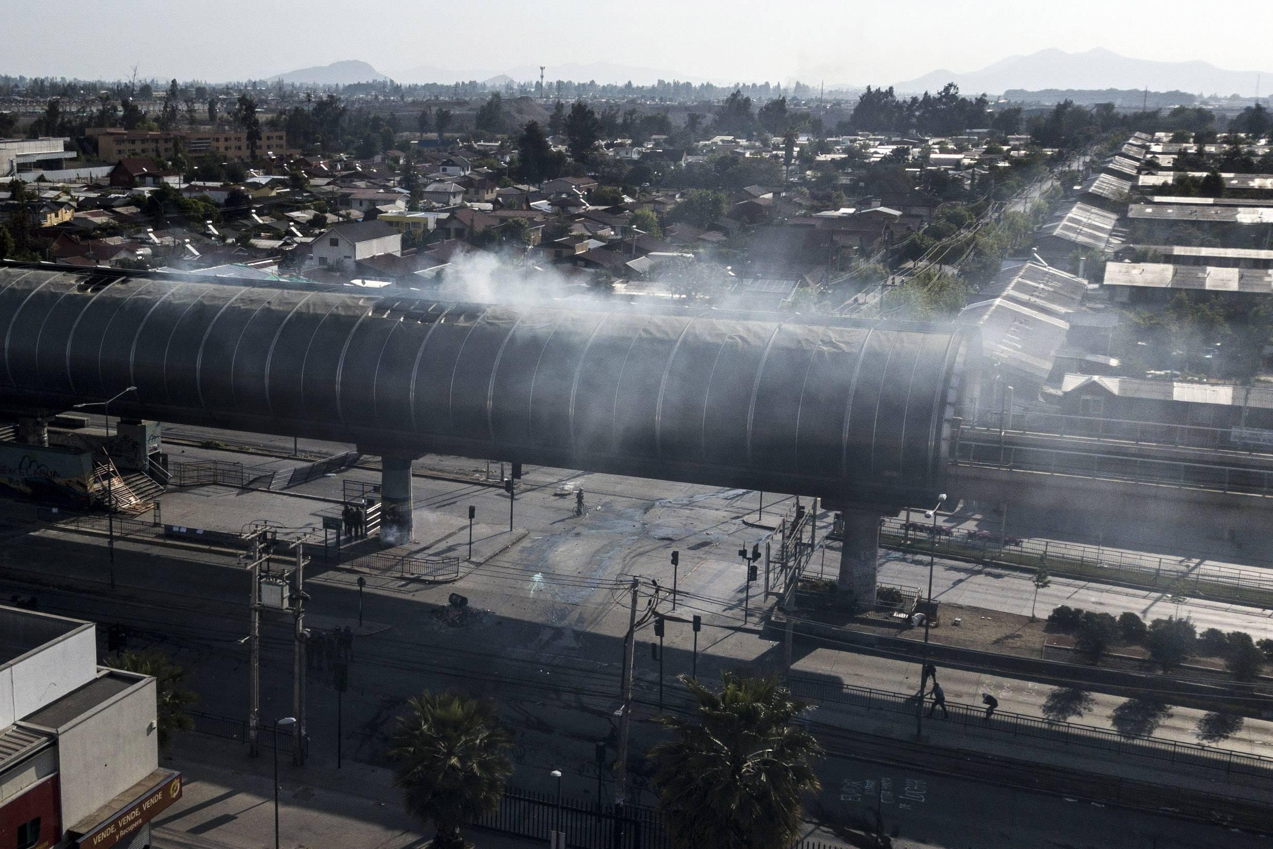 Policía de Investigaciones identifica a uno de los autores de incendios en el Metro