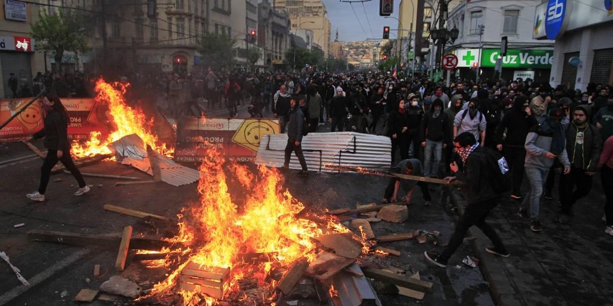 Finaliza toque de queda tras violenta jornada en Santiago, Valparaíso y Concepción