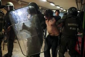 Presidente Piñera decreta estado de emergencia en Santiago por fuertes protestas