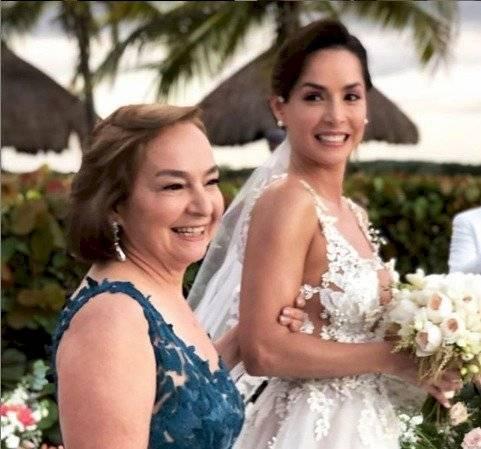 Mamá y Carmen V.
