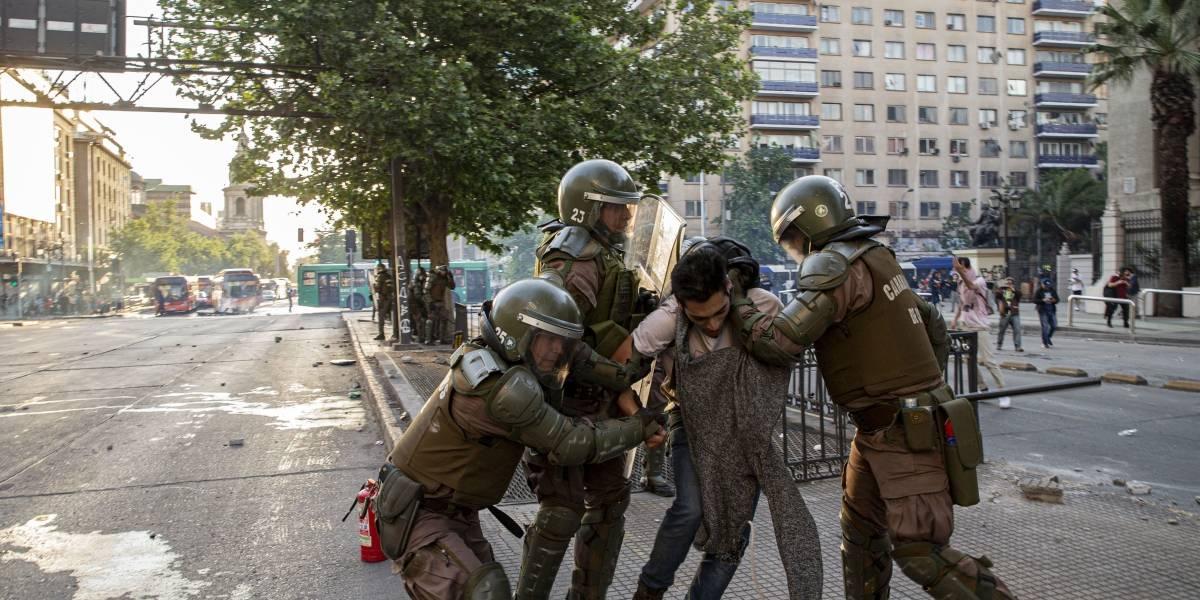 Disturbios en Chile dejan un saldo de 3 víctimas fatales y 716 detenidos