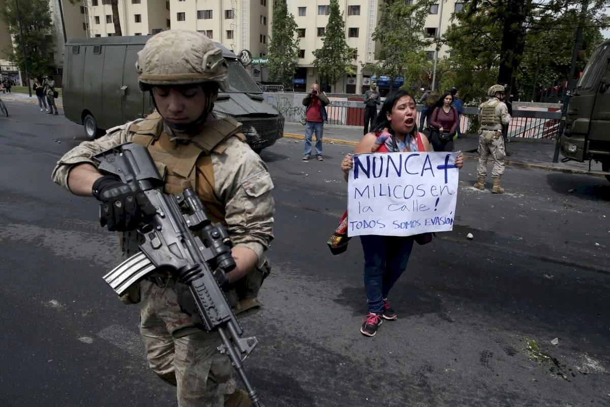 Protestas en Chile por alza en costo de transporte público