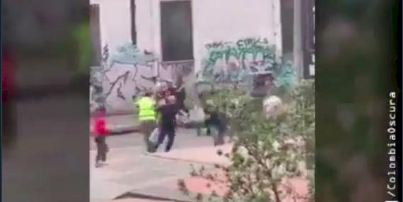 (Video) Entre más de 10 ladrones robaron camión de gaseosas