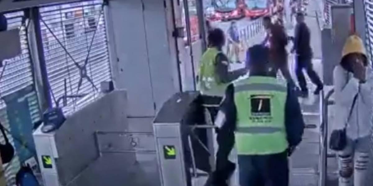 Con arma de fogueo auxiliar impidió ataque de colados en TransMilenio