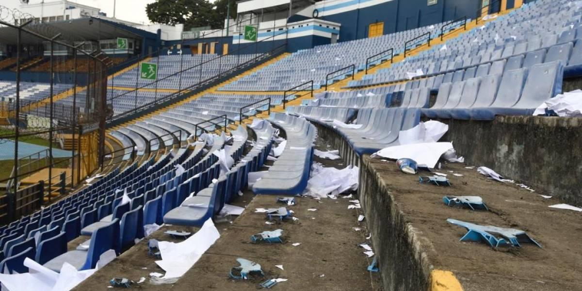 FOTOS. Así quedó el estadio Doroteo Guamuch Flores tras el clásico 308