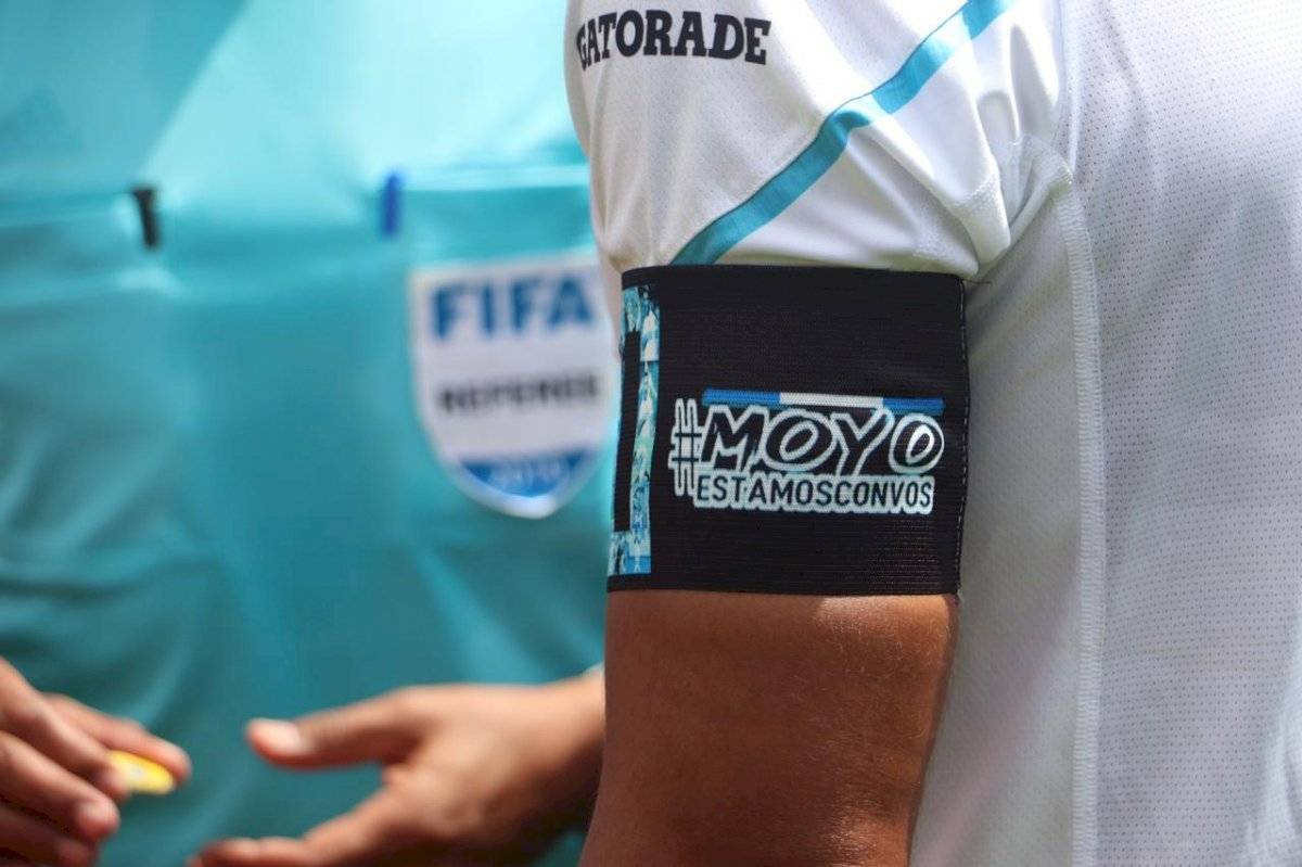 El Moyo Contreras en el Clásico 308 Comunicaciones vs Municipal Torneo Apertura