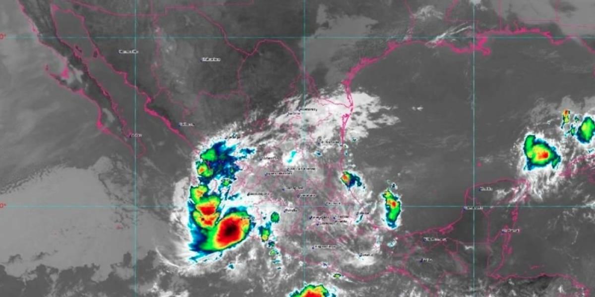Priscilla se debilita a depresión tropical tras tocar tierra en México