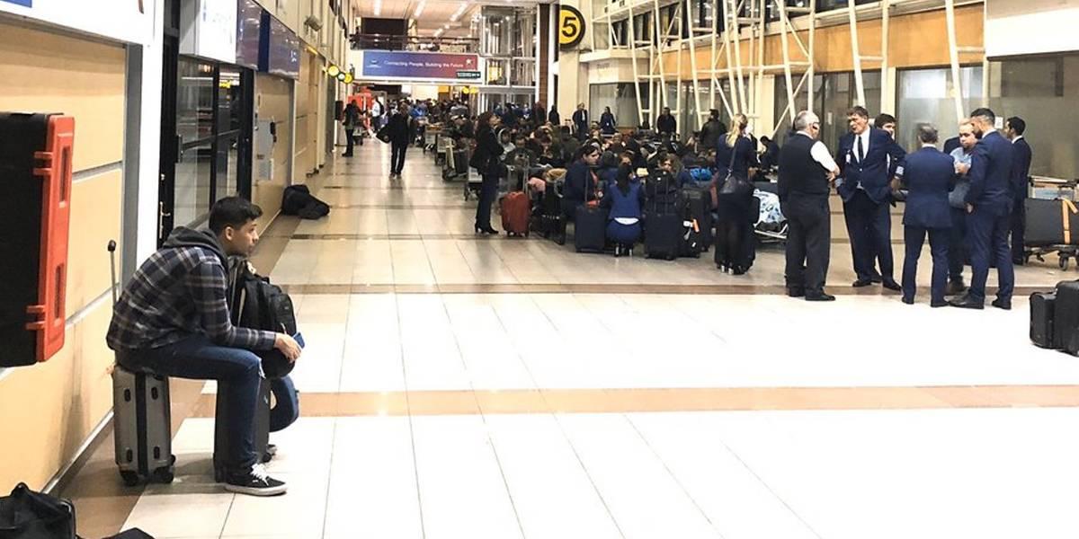LATAM canceló todos sus vuelos desde Santiago durante toque de queda