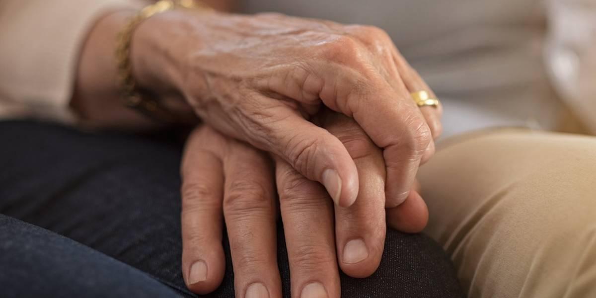 Estudio revela necesidades de cuidadores informales de adultos mayores