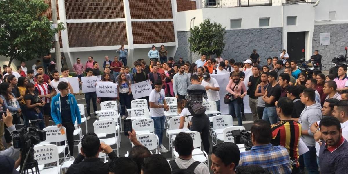 Familia duda sobre versión de robo en asesinato de estudiante de la UdeG
