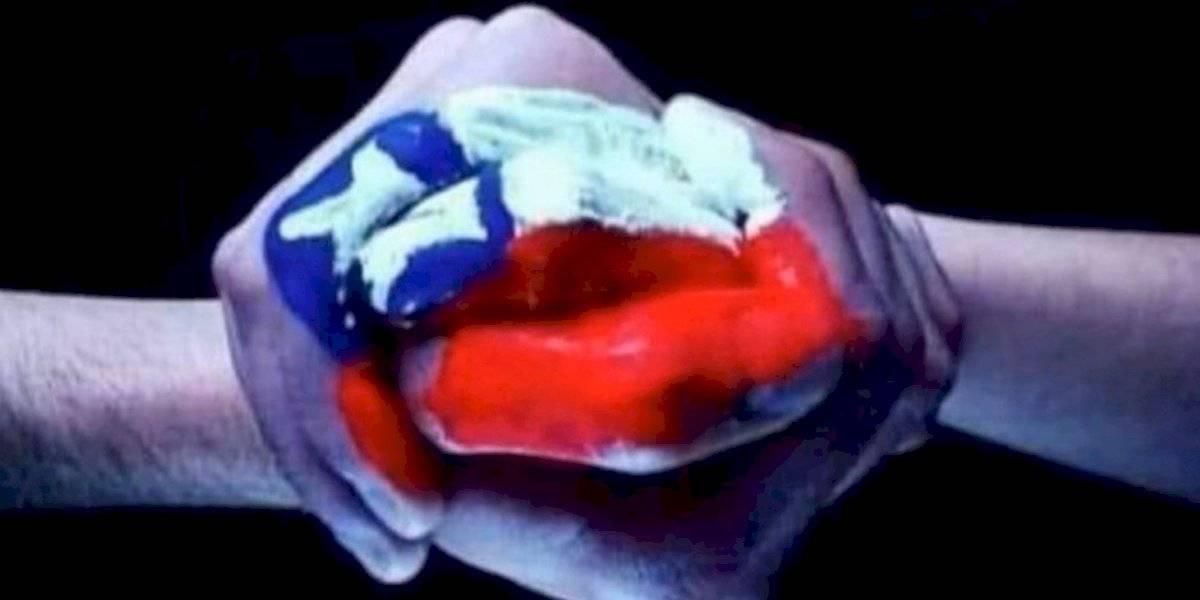 La prensa mundial mira a Chile y se enfoca en los mensajes de apoyo de Vidal, Bravo, Medel y el resto de la Roja