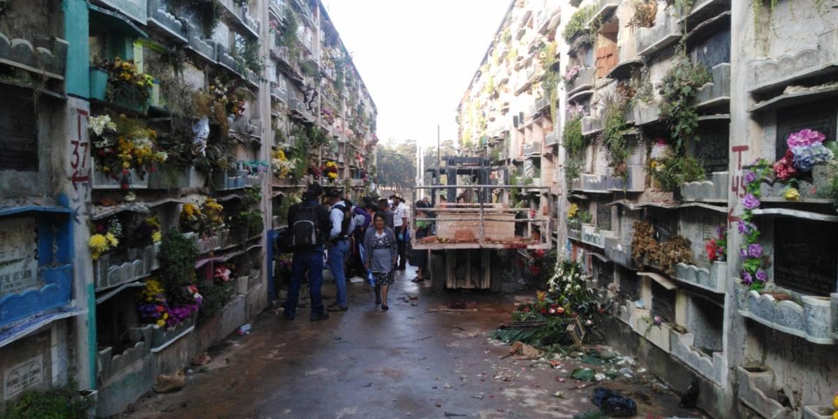 Tiroteo en cementerio La Verbena deja al menos tres muertos