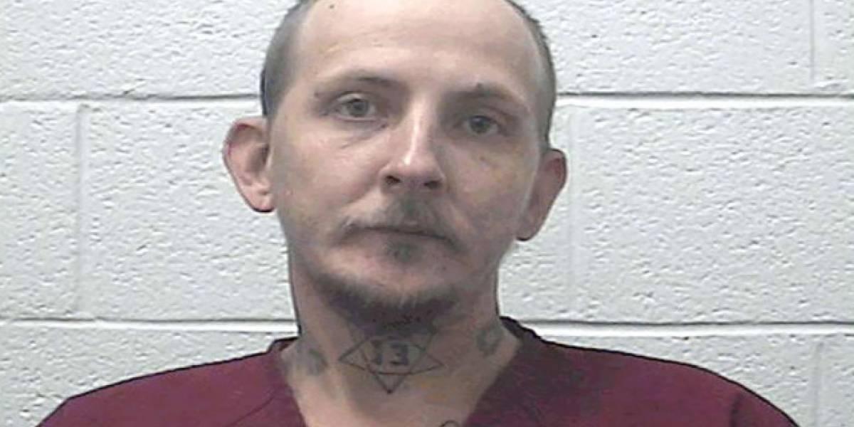 Homem branco de nome 'Tupac Shakur' é preso no Tennessee, EUA