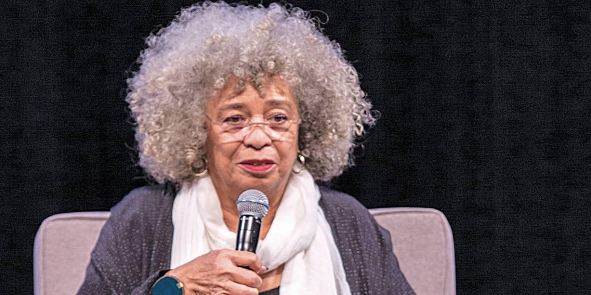 Símbolo da causa negra e do feminismo, Angela Davis lança biografia no Brasil