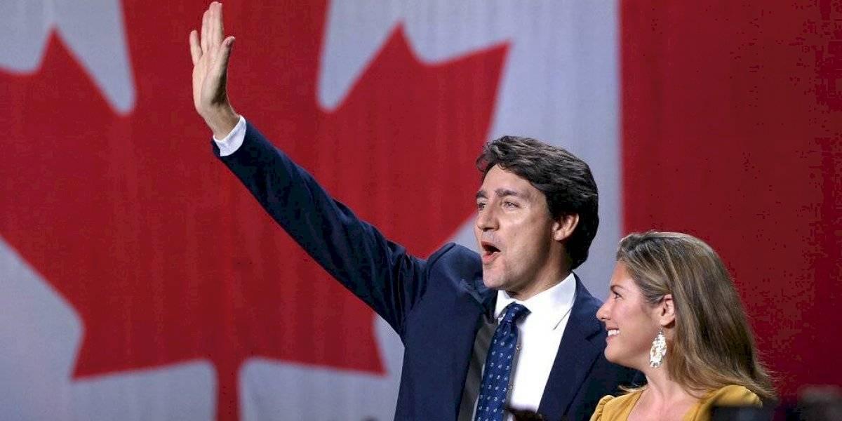 Revalida Justin Trudeau, pero pierde la mayoría en Canadá