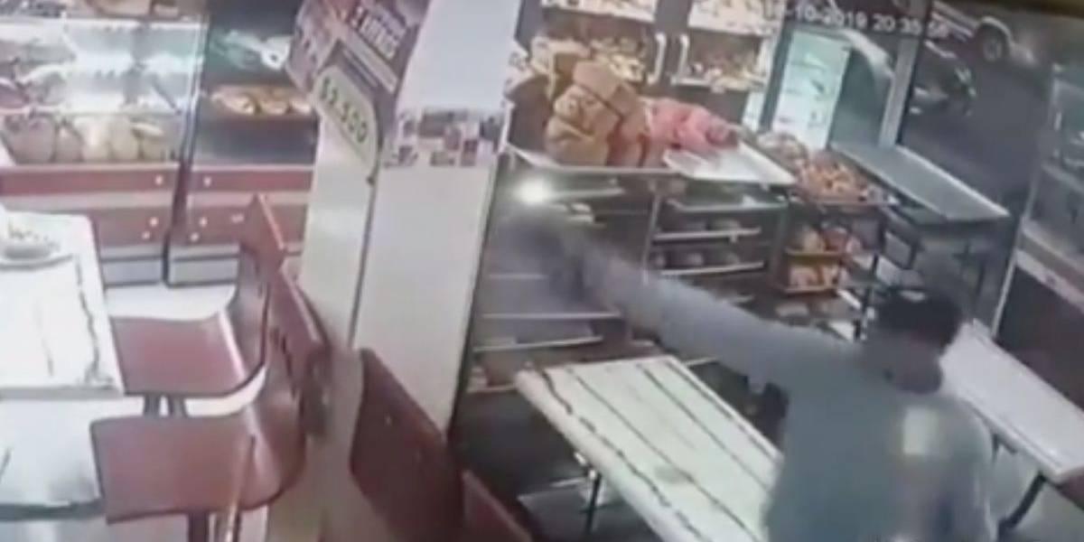 Atentado sicarial dentro de panadería deja varios heridos y una persona sin vida en Bogotá
