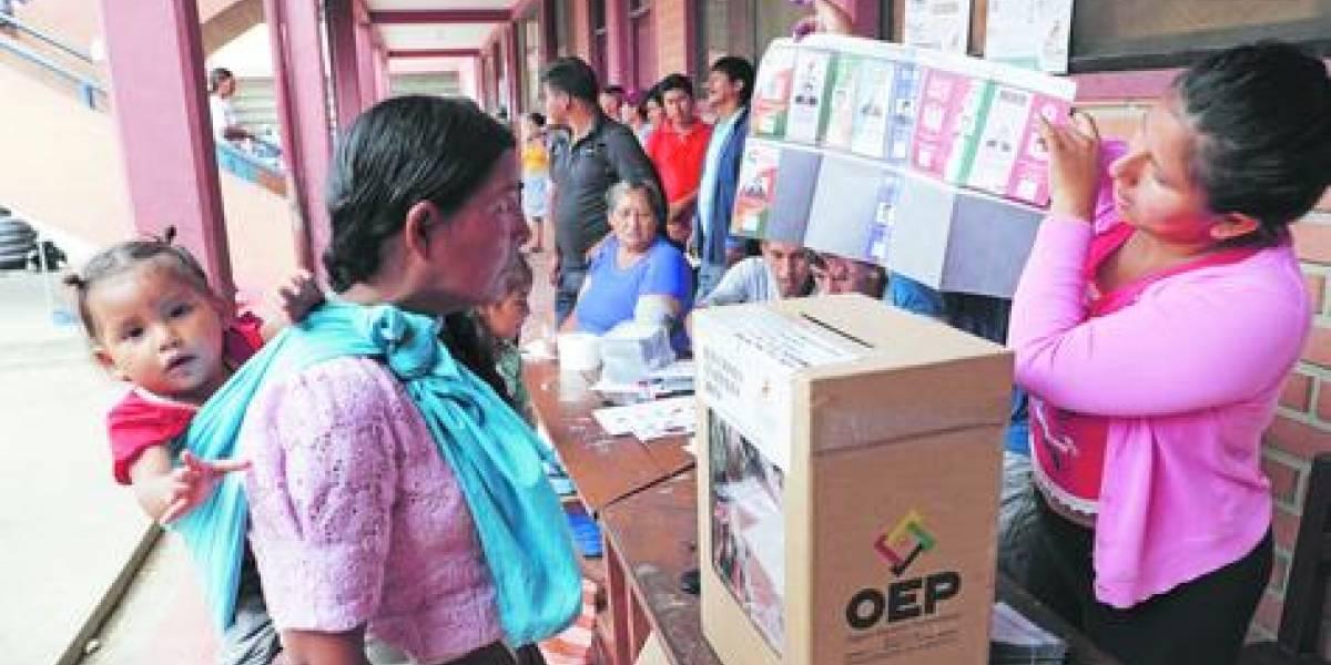 """Denuncian fraude en """"victoria"""" de Evo Morales en primera vuelta"""