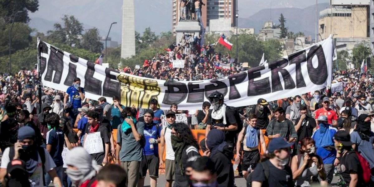 Sebastián Piñera anuncia incremento del salario mínimo tras 5 días de protestas