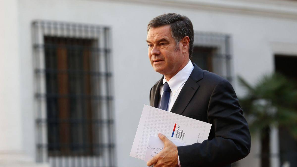 "Senador acusa que ""actos terroristas"" en Chile fueron planeados usando videojuegos"