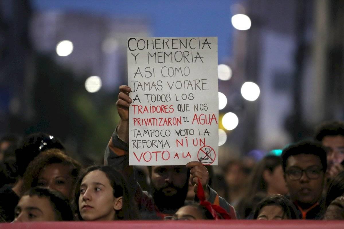 Masiva marcha en Uruguay en contra de la militarización en las calles EFE