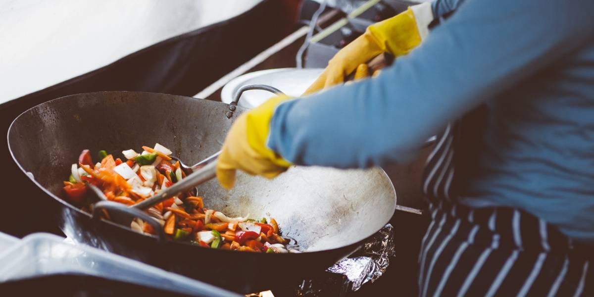 """Aplicaciones de comida a domicilio crean """"cocinas fantasmas"""" en el mundo"""