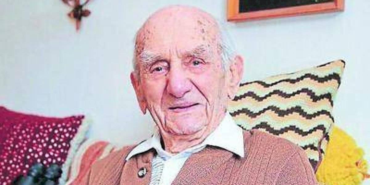 Murió el hombre más viejo del mundo: recién había cumplido 114 años
