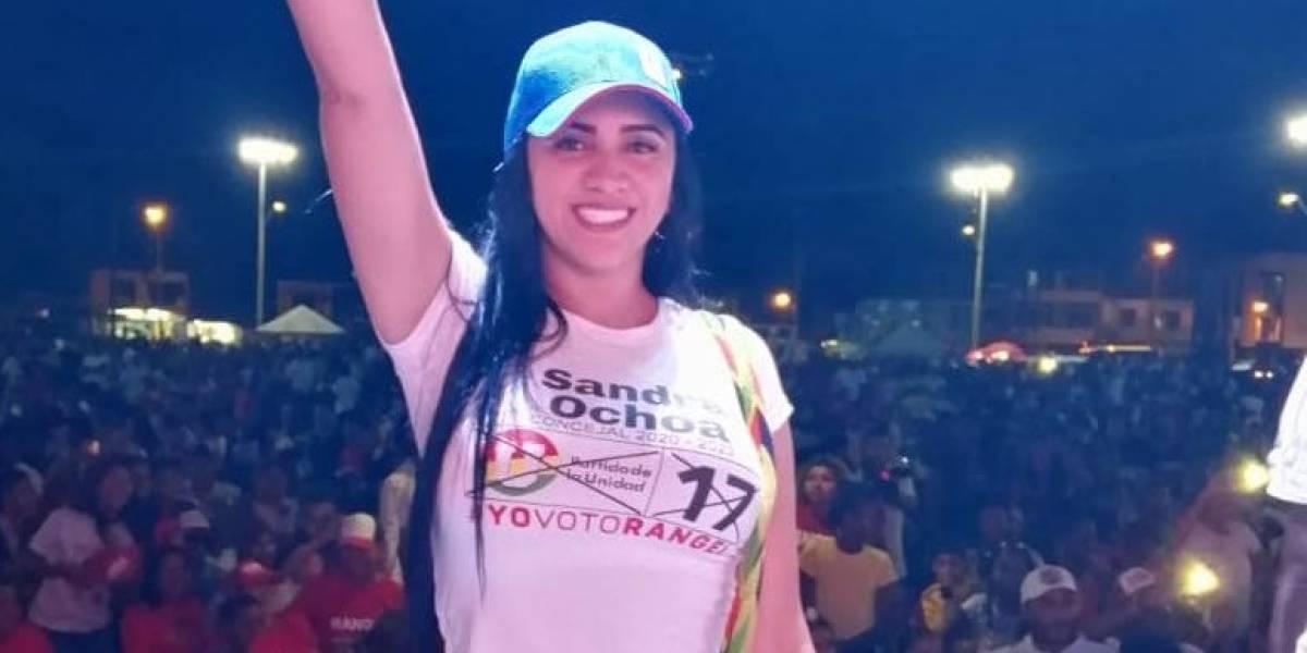 """Descubren a candidata deseándole a una mujer """"que la violen entre 10"""""""