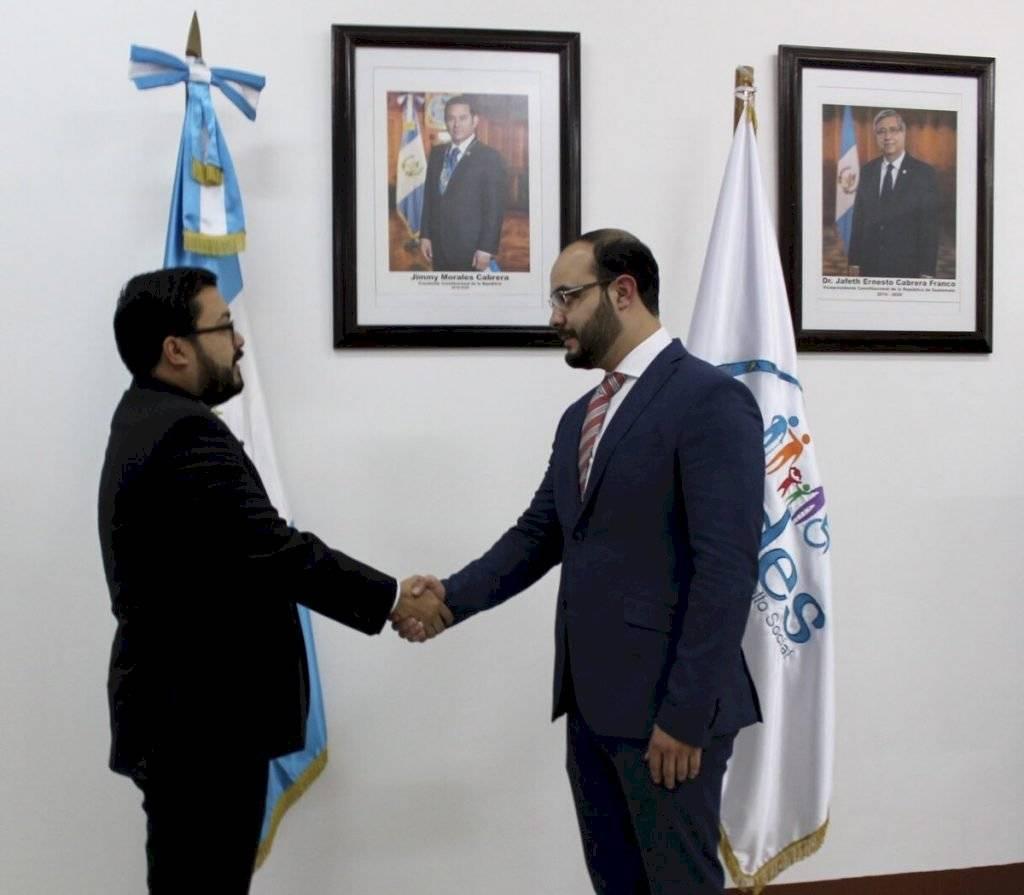 Steven Mejía fue juramentado como Viceministro de Protección Social. Foto: Mides