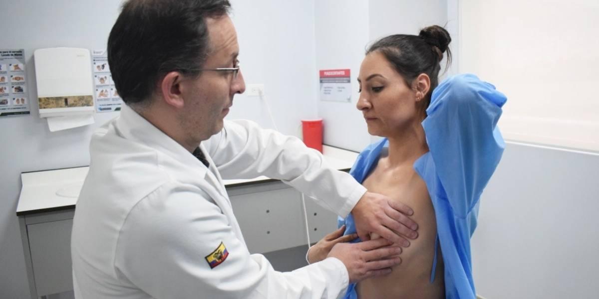 Cicleada por el mes de la concientización sobre el cáncer de mama