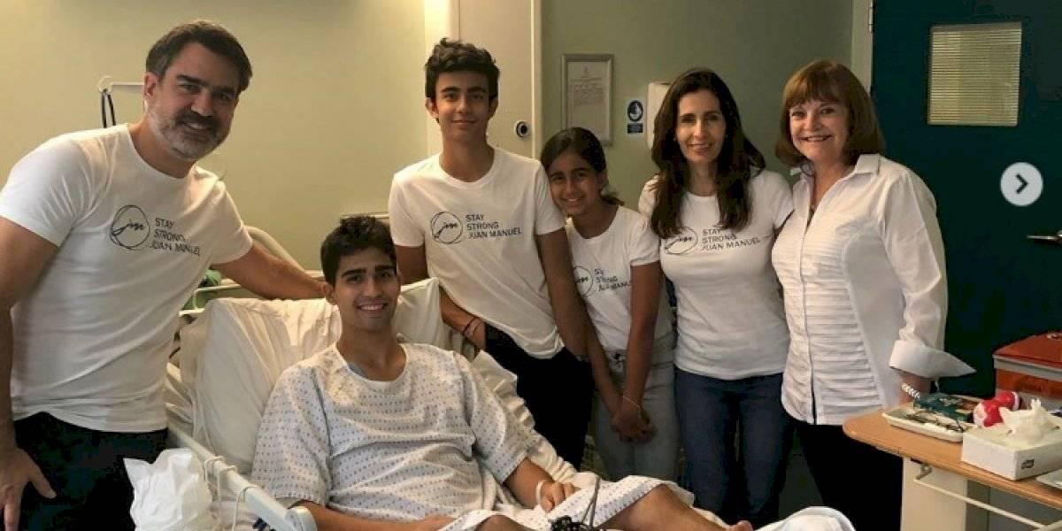 El piloto Juan Manuel Correa se puso de pie después de su cirugía