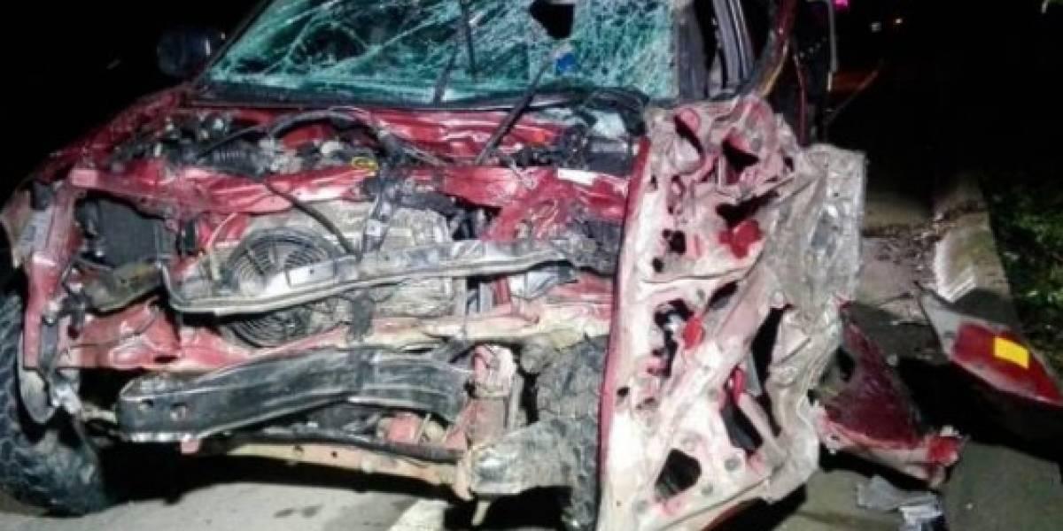 Muere mujer en trágico accidente de tránsito en vía nacional