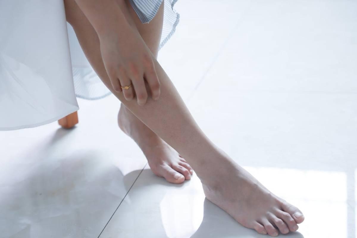Como suavizar los pies con vinagre