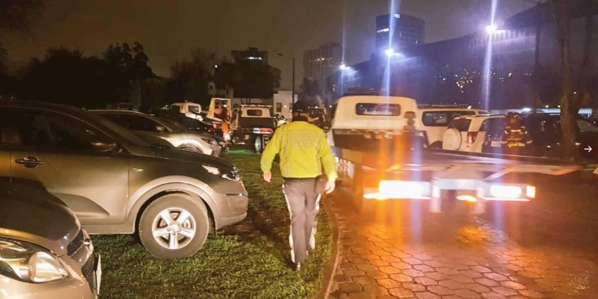 AMT realizó operativo por vehículos mal parqueados en el concierto de Sebastian Yatra