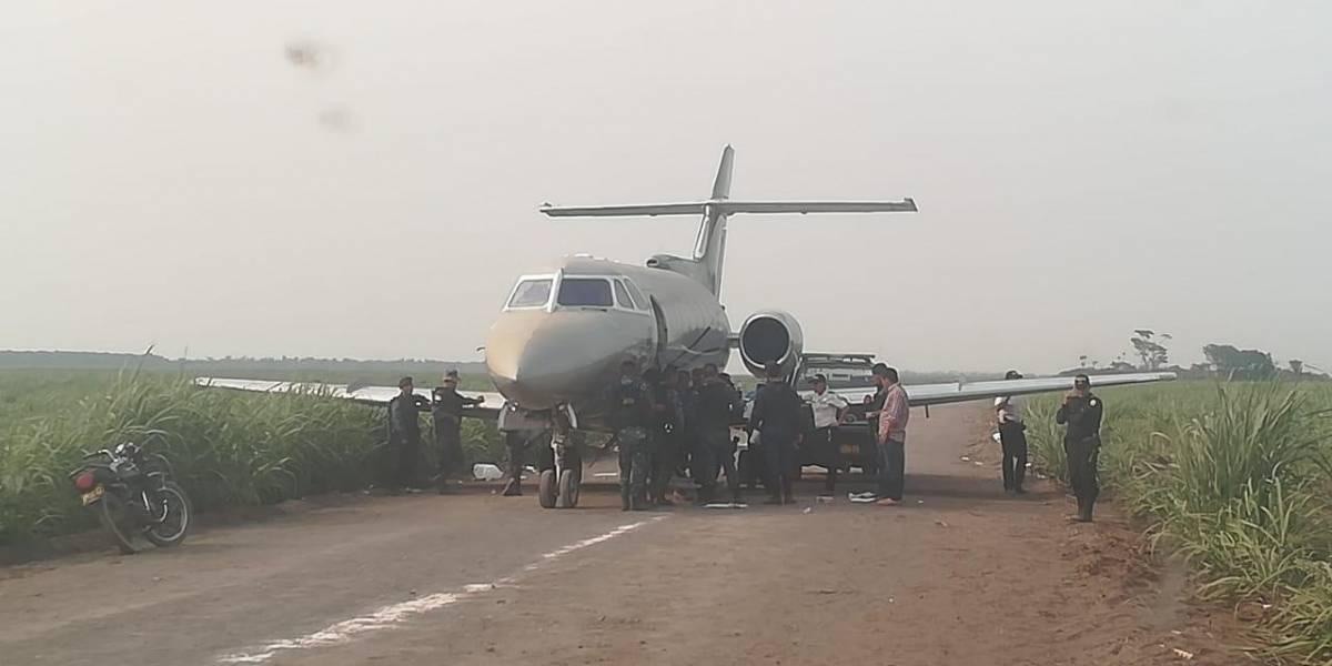 Jet localizado en Sipacate lleva más de seis meses abandonado