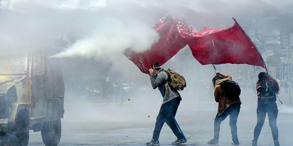 Desalojan Congreso chileno en medio de disturbios