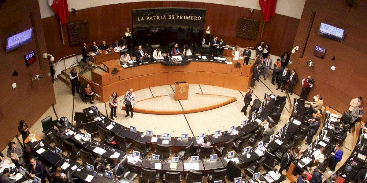 Senado autoriza a diputados a suspender sesiones