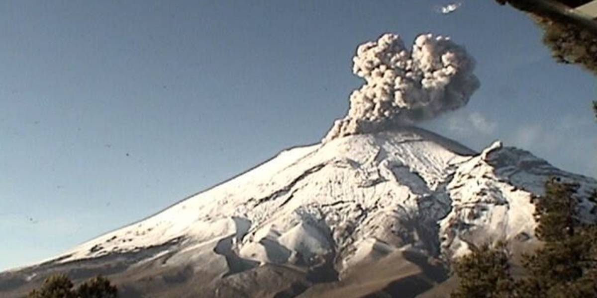 El volcán Popocatépetl presenta mucha actividad en las últimas horas